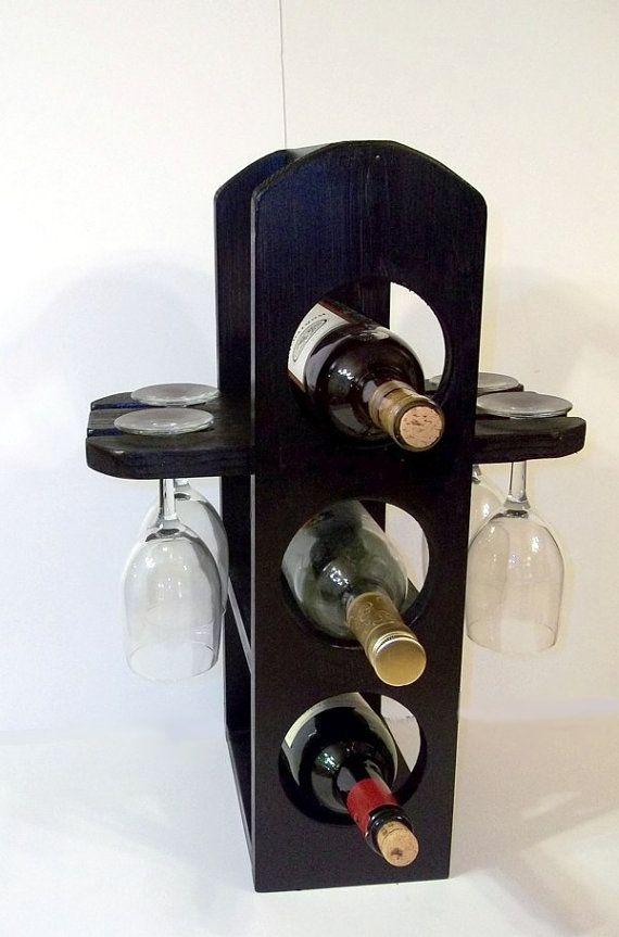 Botellero único estante de copas en acabado negro satinado es hecho a mano