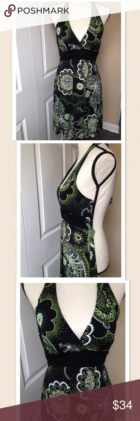 """Speechless Women's Dress Green Black Halter Small Size: small Color: green, black. Design: floral Neckline: halter style  Sleeves: sleevesless Materials: 96% polyester/ 4% spandex  Measurements (approximate) Length: 24"""" inch. Underarm to underarm (laying flat): 28""""inch. Waist (laying 24""""inch Speechless Dresses Strapless"""