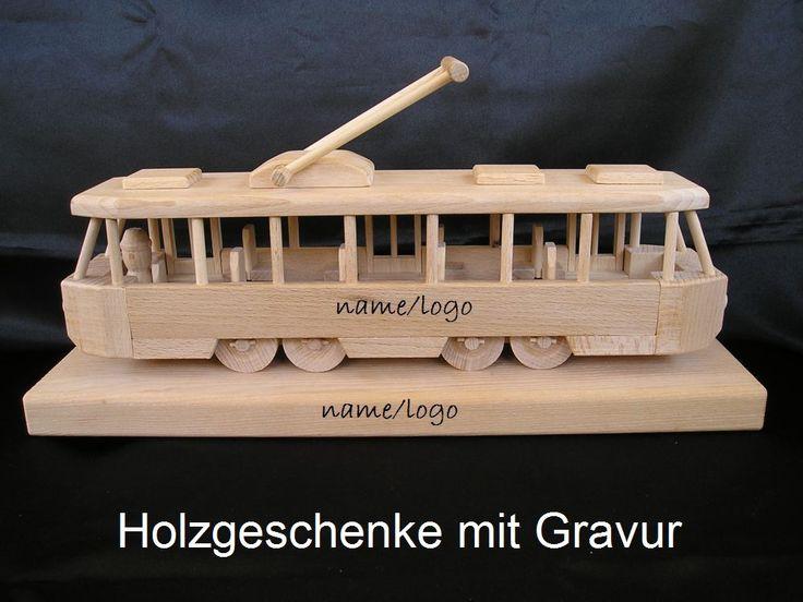 Straßenbahnen Spielzeug aus Holz mit Pedestal