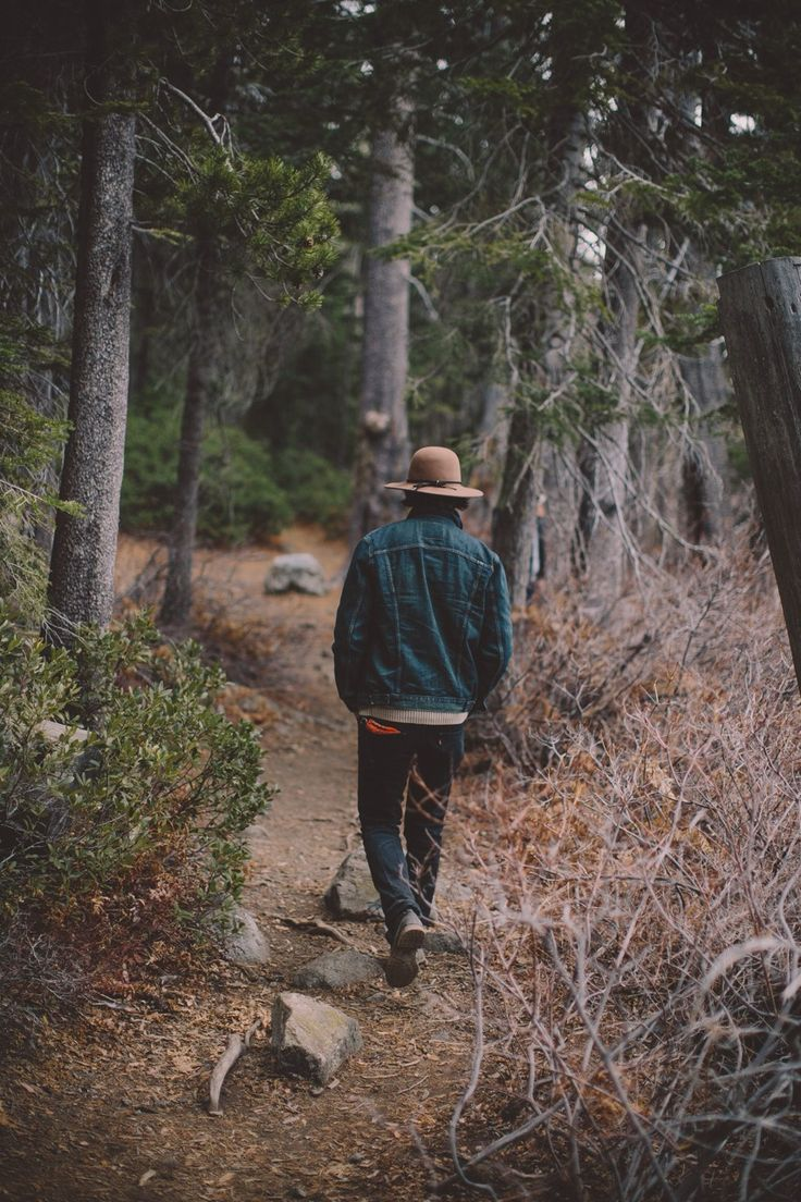Pin By Ema M On Wild Life Photography Poses For Men Mens Fashion Rugged Mens Fashion