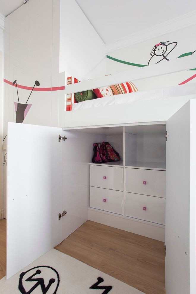 Best 25 two girls bedrooms ideas on pinterest childrens space bedrooms shared rooms and - Donne in camera da letto ...