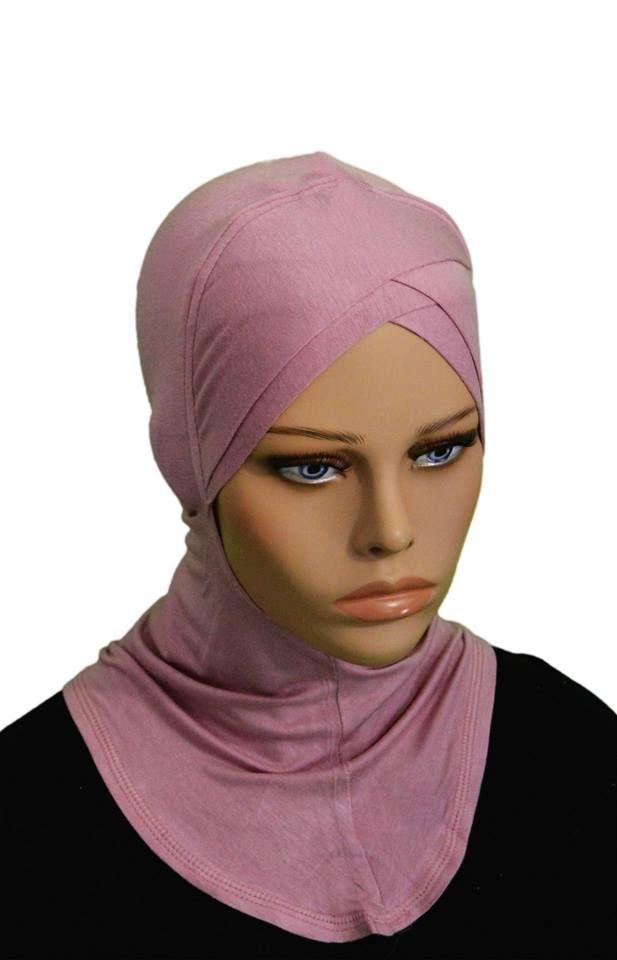 Ce bonnet croisée permet de garder le hijab en place. 100% coton, très souple et très léger , agréable à porter. disponible en 16 couleurs .