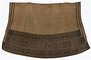Huaki cloak with three taniko borders, courtesy of National Gallery of Australia, Canberra, (2007.616)