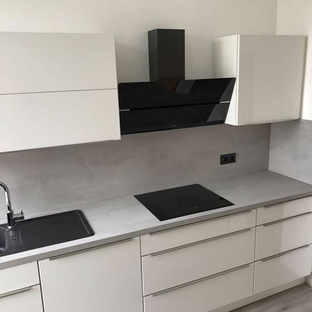 Diese Schone Kuche Haben Wir Gerade Fertig Montiert Fur Das Junge Paar Aus Wup Beautiful Kitchens Kitchen Furniture Design Modern Kitchen Cabinet Design