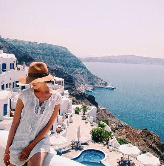 VIDA Statement Clutch - Oia Santorini Greece by VIDA AcTtWIygH
