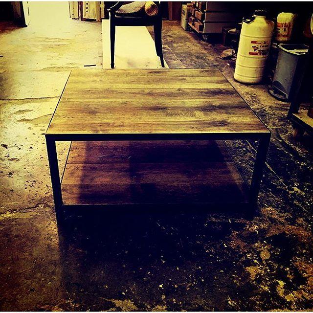 Furniture design, table, mesa, madera de roble más hierro, oak, Lignarius Barcelona