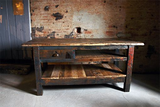 Interior design recupero vecchio tavolo da lavoro interamente in legno la struttura ben - Tavolo da lavoro in legno ...