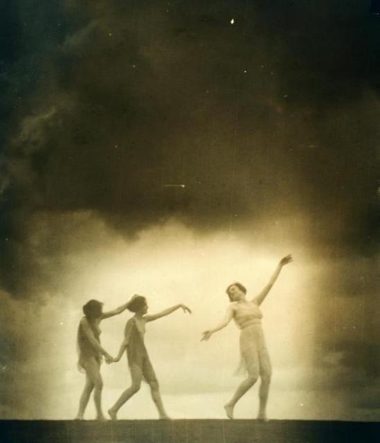 Arnold Genthe2. Greek revival dancers 1916-1920