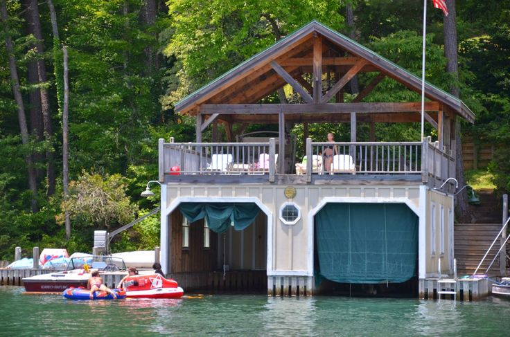 Pin By Izzy Gordon On Lake House House Boat Lakefront