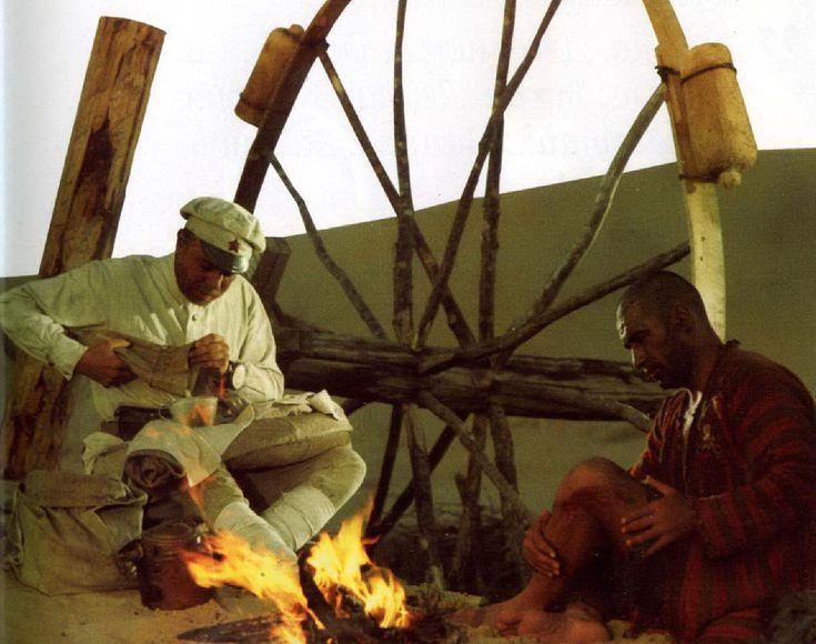 30марта 1970 года наэкраны нашей страны вышел фильм Владимира Мотыля «Белое солнце пустыни». Рассказывать осюжете этой картины иотом, как еёполюбили зрители, пожалуй, будет лишним. dubikvit отом, каким могбы быть фильм, еслибы его снимали попервоначальному сценарию.