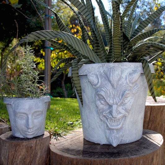 Plaster Mask Planter I M Not Recommending The Demon Pot Just Instructions