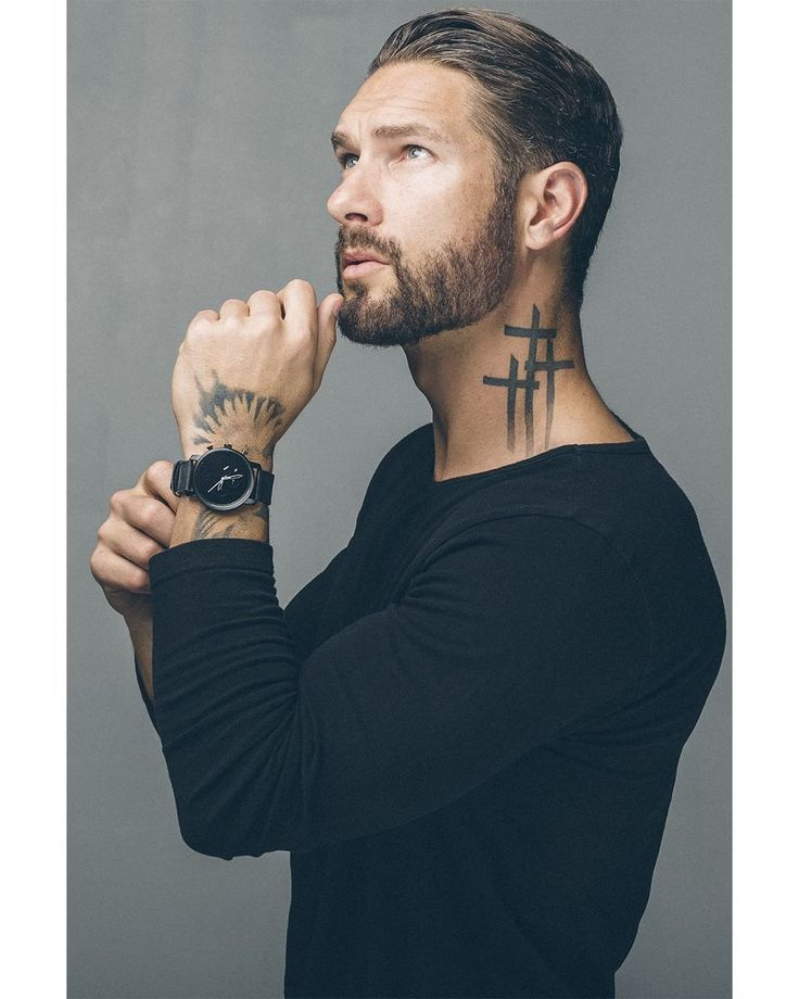 Männer hals tattoos Hals Tattoo