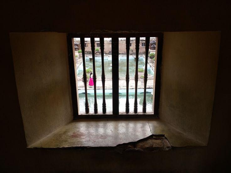 In de toren van de sultan bij de Taman Sari.