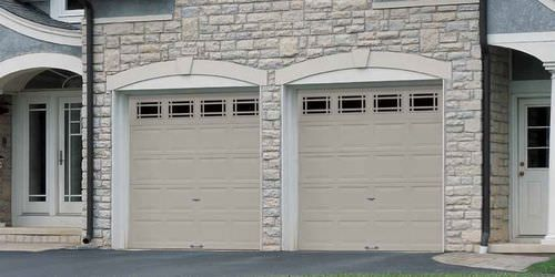 Sectional garage door / steel / automatic 8200 WAYNE DALTON