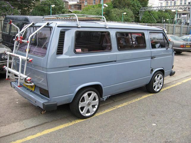 Really Like The Colour Of This T25 And The Roof Rack Even Though I Can T Have One With My Pop Top Vwtype3accesso Vw Campervan Vw Bus Camper Classic Campers