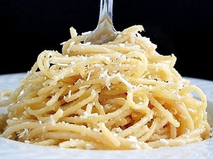 Spaghetti w/Browned Butter and Mizithra Cheese--4 tablespoons butter,1/2 cup Mizithra cheese, 6ozs Spaghetti. Cook pasta in salted water.Heat the butter over medium heat. Let the butter cook until it is a light caramel color. Set aside and drain the pasta. Pour off the butter into a small dish, being careful to leave behind the solids that have settled to the bottom of the pan. Mix the butter, spaghetti, and most of the cheese.: Fun Recipes, Mizithra Greekstyl, Mizithra Chee, Spaghetti Mizithra, Factories Spaghetti, 5 Ingredients, Spaghetti Factories, Brown Butter, Greekstyl Spaghetti