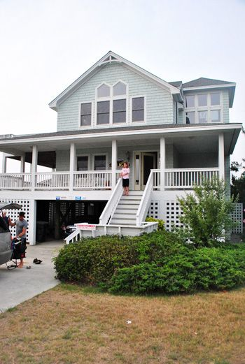 Love wrap around porches dream home pinterest wrap for Beach house with wrap around porch