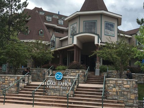 Be sure to stay at the luxury Lake Tahoe Resort Hotel and enjoy an alpine, luxury experience. Lake Tahoe showcases the best Mother Nature has to offer.