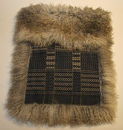 A Norwegian tradition is the use of sheepskin. Some times it is made ​​with a (aakle) Skillbragd coverlet woven in a twill diamond overshot pattern using homespun and dyed wool. This is a carpet for babies. http://www.googvarm.no/products/Babyposer/