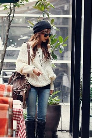 skinny jeans and boots ... loose-fitting knit sweater with top underneath ... flowy hair and a cute tuque :) what a perfect outfit!