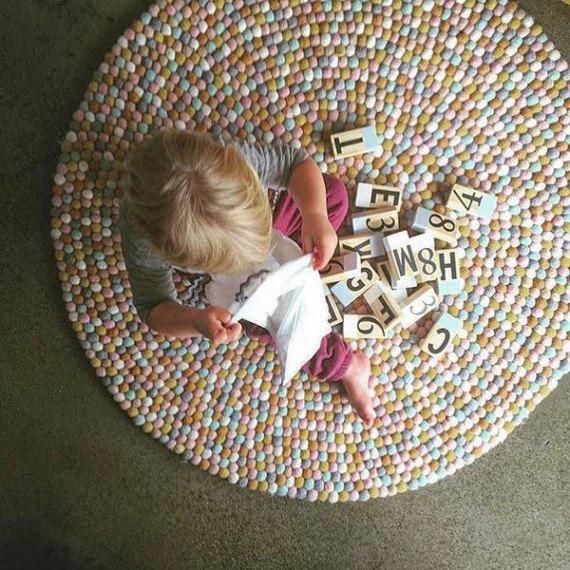 Stunning Filz Kugel Teppich kandierte Mandeln