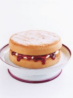 Basic Sponge Cake ~ Donna Hay. Now, I'm a bit petrified of a sponge as my previous effort (a long time ago) was horrible. So horrible even the dog refused it. I'm no coward AND Donna Hay's recipes are always reliable, so it's back on that horse..err.. cake...