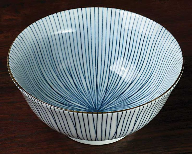 Arita porcelain bowl. Beautiful and elegant