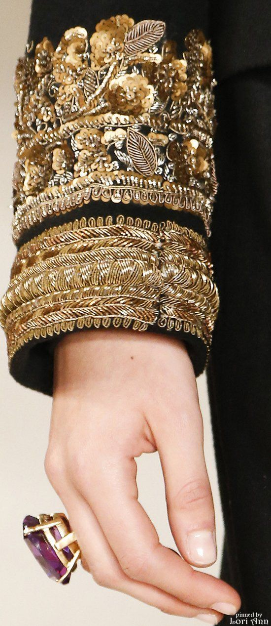 Ralph Lauren Fall 2016 RTW Date: 7/19/2016 Note: Gold embroidery detail and its combination with the black fabric.