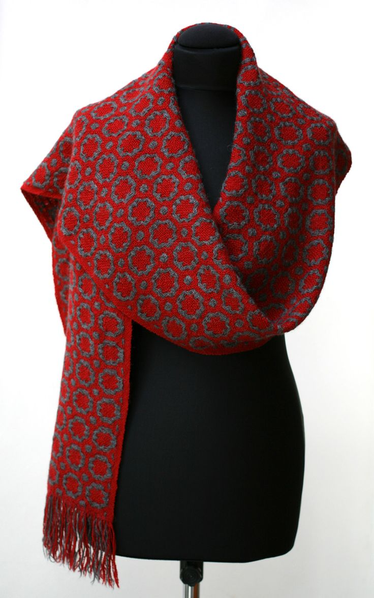 scarf in deflected double weave, made by Marijke van Epen. Wool and alpaca, Sold