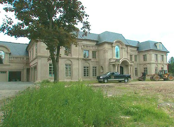 Best 25 mansions for sale ideas on pinterest for Mansion estates for sale