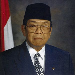 """Abdurrahman Wahid was the fourth president of Indonesia and a devout Muslim. As president of the largest Muslim country in the world, he is an unlikely supporter of Israel – yet throughout his tenure he was vocal supporter of Israel. He is recorded saying: """"I think there is a wrong perception that Islam is in disagreement with Israel. This is caused by Arab propaganda. We have to distinguish between Arabs and Islam."""""""
