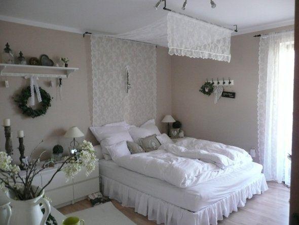 Sandton. Auch ein Betthimmel ziert das Schlafzimmer nun wieder - das ist einfach soooo kuschelig und romantisch.