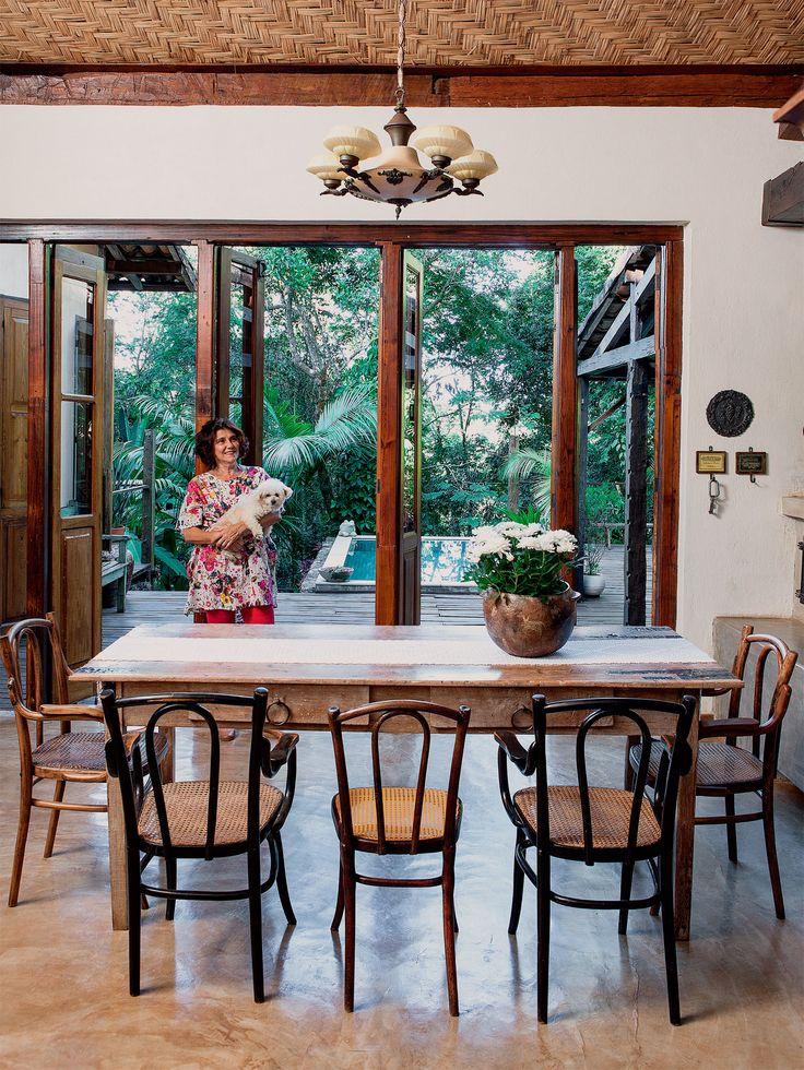 Memórias e afeto povoam os ambientes desta casa de campo - Casa (Casa a 20 km de Belo Horizonte (MG), Brazil. Arq. José Ricardo Fois).