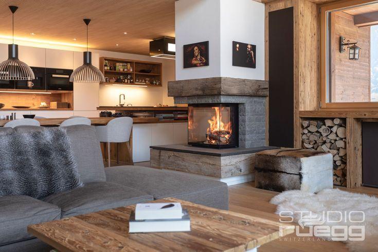 Gemütliche Stunden mit Lagerfeuerromantik durch Cubeo von Rüegg #Rüegg #Heizkamin #kamin #ofen #fireplace #Ofenbauer #Ofenkunst #Wohnzimmer #Holz #Innenarchitektur #RüeggStudioOberbayern www.Ofenkunst.de