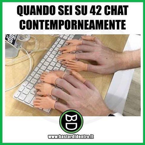 Per chattare con tutti ci vogliono alcuni #superpoteri ... Tagga i tuoi amici e #condividi #bastardidentro #mani www.bastardidentro.it