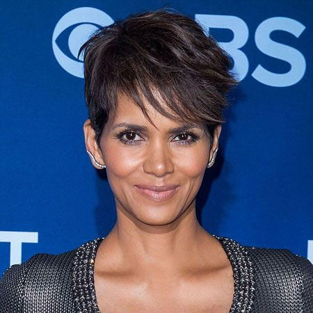 Halle Berry wiki, affair, married, Lesbian, height
