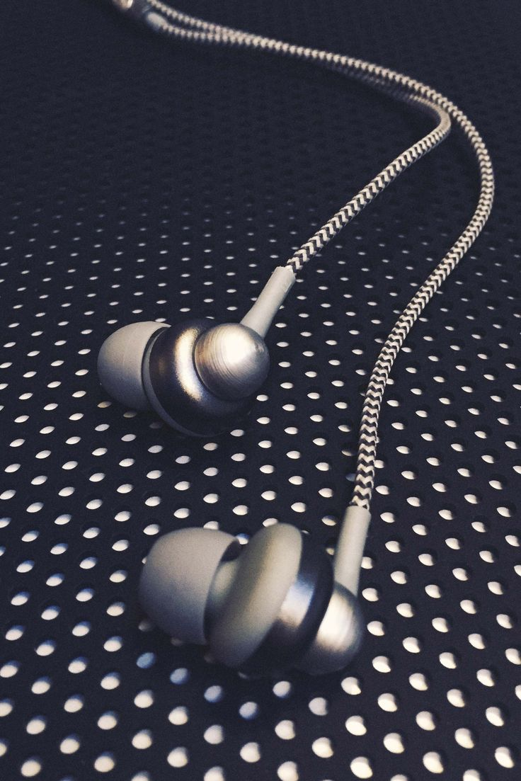 aGEM from KREAFUNK is the ultimate case of fashion meets audio design. These jewellery-inspired earplugs make a stylish accessory to any outfit.
