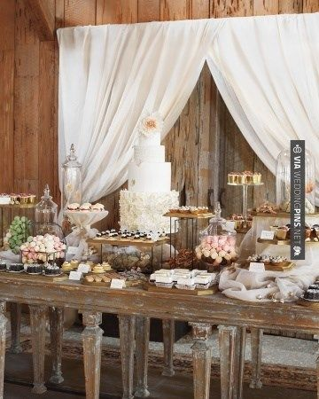Blake Lively's rustic dessert table