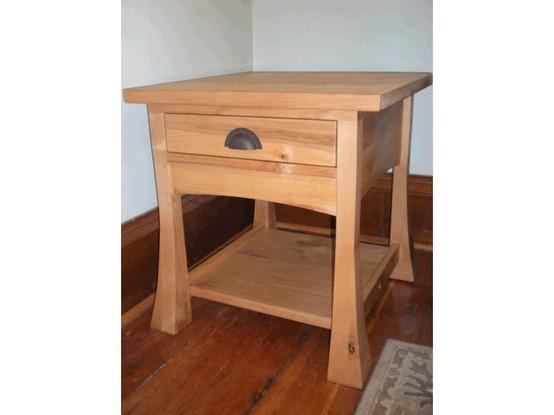 Appleton Heirloom Bonza Knotty Alder Side Table