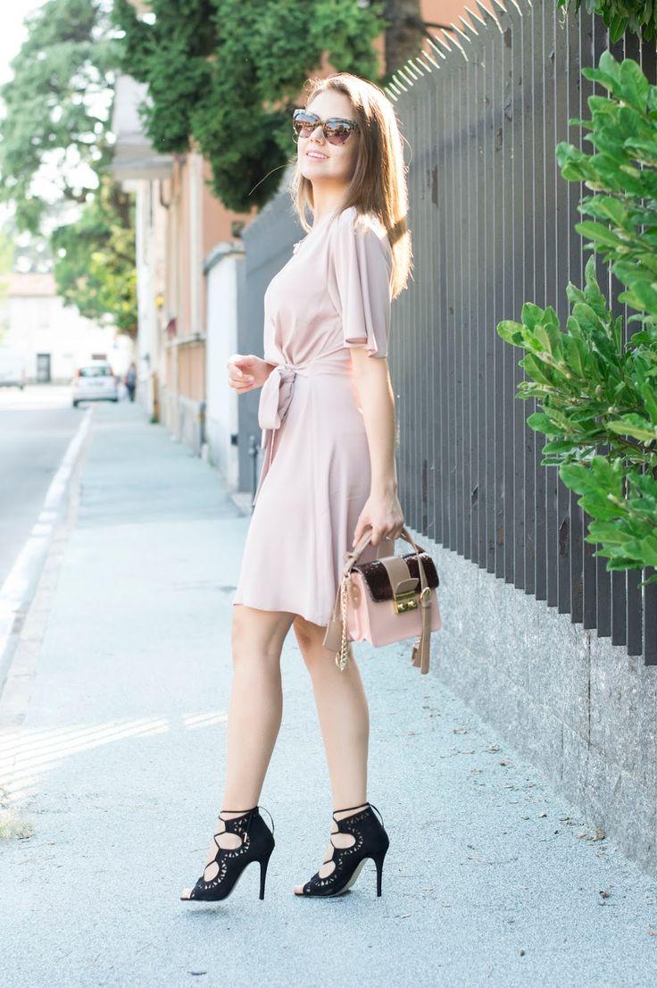 BLUSH: ABITO INCROCIATO, CLASSY E SENZA TEMPO #wrapdress #fashionblogger #summer #dress #outfit