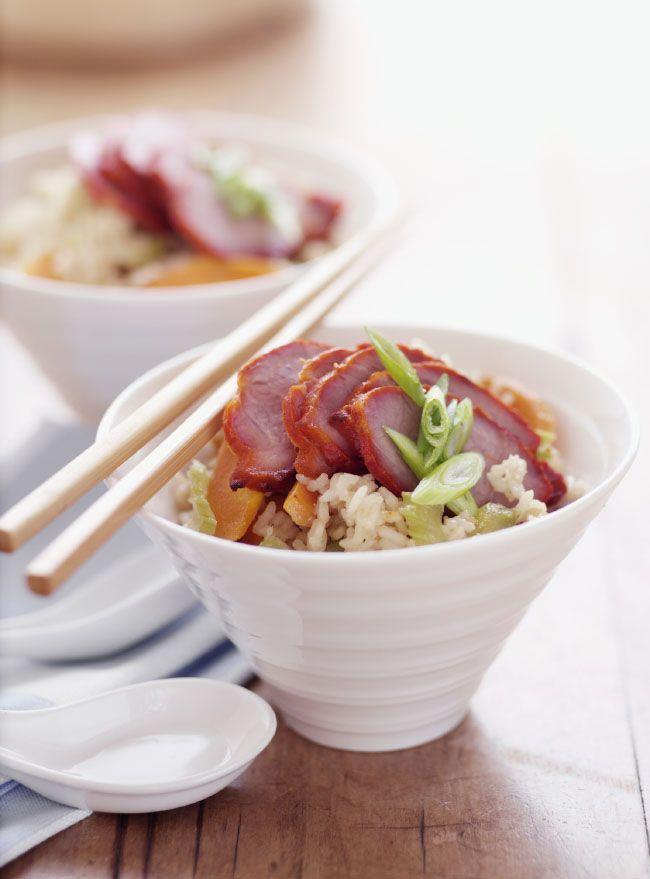 I like to use Thai long grain rice to make fried rice because Thai long grain rice really improves the texture of fried rice. You can also use short grain rice but when you cook the rice you might need to reduce the amount of water you use otherwise it will be too sticky and mushy to make fried rice.