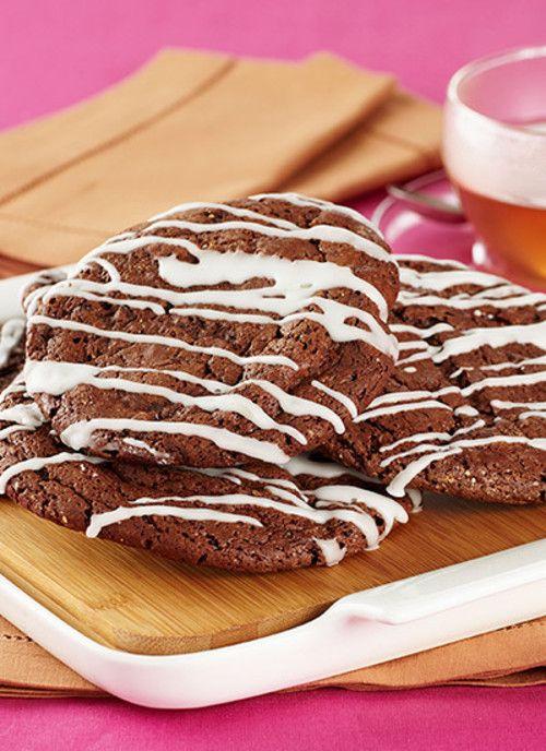 Las galletas son una excelente opción para servir en fiestas infantiles, pues son un postre delicioso y fácil de comer. Además son fáciles de preparar y se pueden conservar en latas para disfrutar de ellas toda la semana.