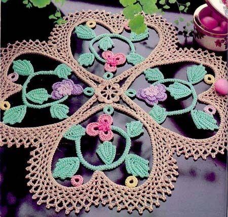 Fancy four-leaf clover irish crochet doily pattern