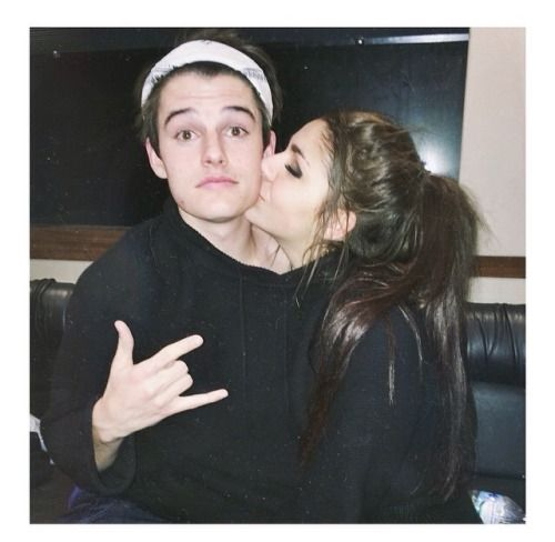 Former boyfriend and girlfriend: Kenny Holland and Andrea Russett (kiss)