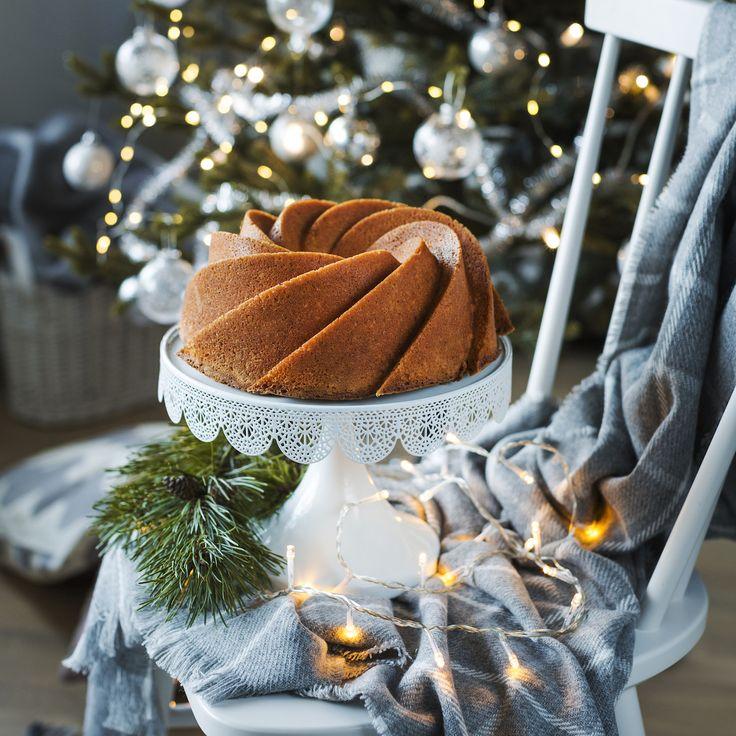 Kuivakakkujen Kuningatar: Ihannekakku on mehevä, maukas, aromikas ja niin suussa sulava kahvikakku, joka sopii juhlaan ja arkeen läpi vuoden!