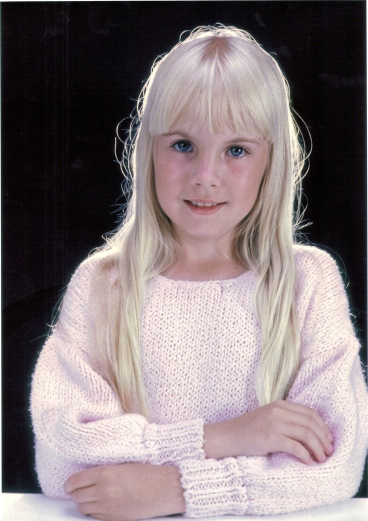 Heather O'rourke (11) Poltergeist actress died from septic shock & cardiac arrest caused by a misdiagnosed intestinal stenosis in 1988.