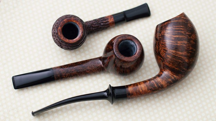 Four bold Danish shapes from Hans Former Nielsen plus fresh pipes from Mark Price Davide Iafisco and more. http://smokingpip.es/2r72cXU