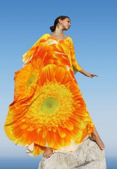 Splendid silk kaftan with orange flowers bouquet embellished with crystal – Marguerite
