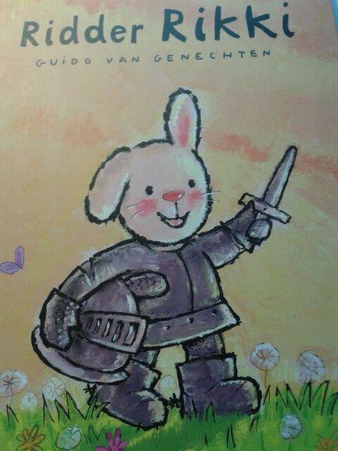 Bij het thema ridders mag dit prachtige boek Ridder Rikki van Guido van Genechten natuurlijk niet ontbreken.