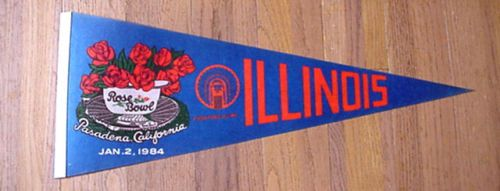 1984-ILLINOIS-FIGHTING-ILLINI-ROSE-BOWL-GAME-PENNANT-CHIEF-LOGO-UNSOLD-DISC-AA